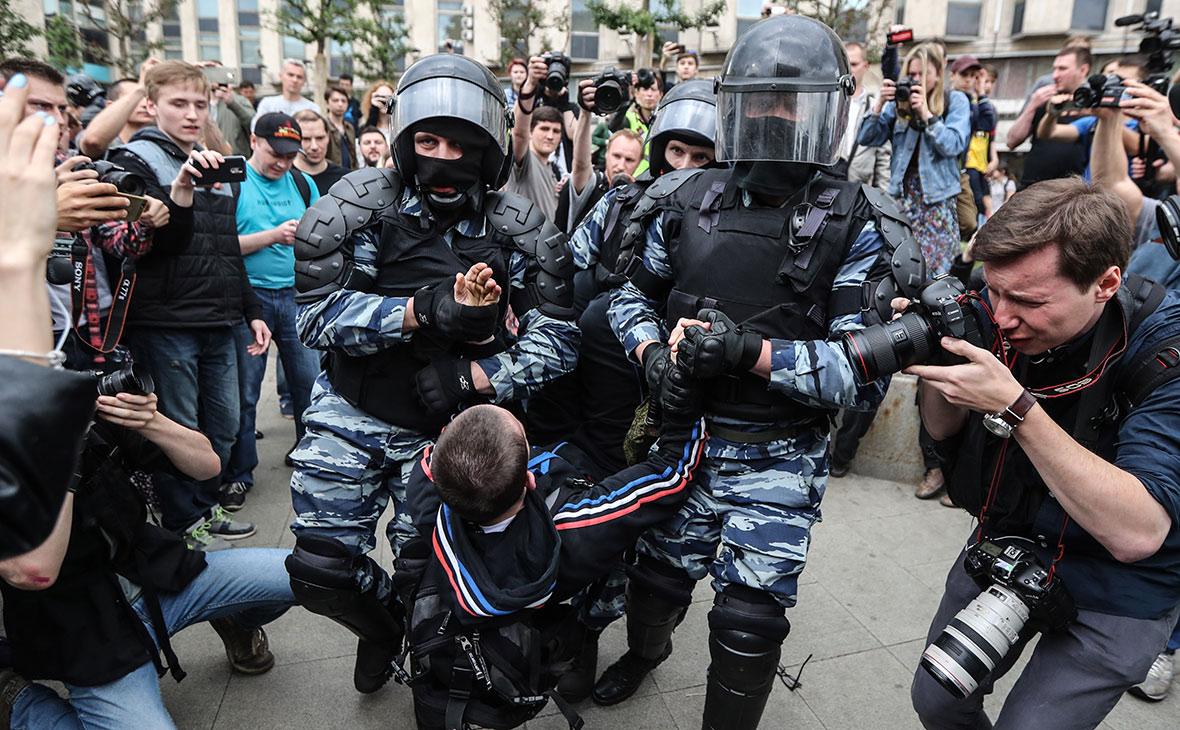 30 тысяч человек осуждены в РФ за нарушение правил проведения митингов