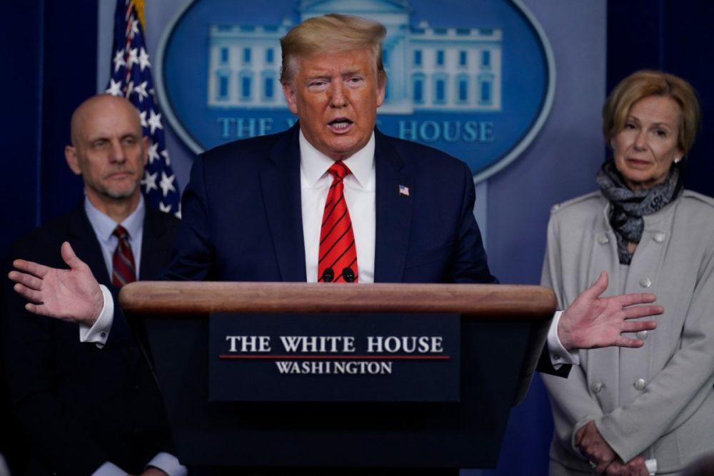 Трамп призывает к национальному единству, поскольку Сенат приостанавливает республиканский законопроект о коронавирусе