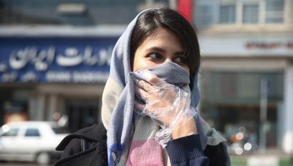 Иран ищет виновных в создании коронавируса COVID-19 и обвиняет два государства