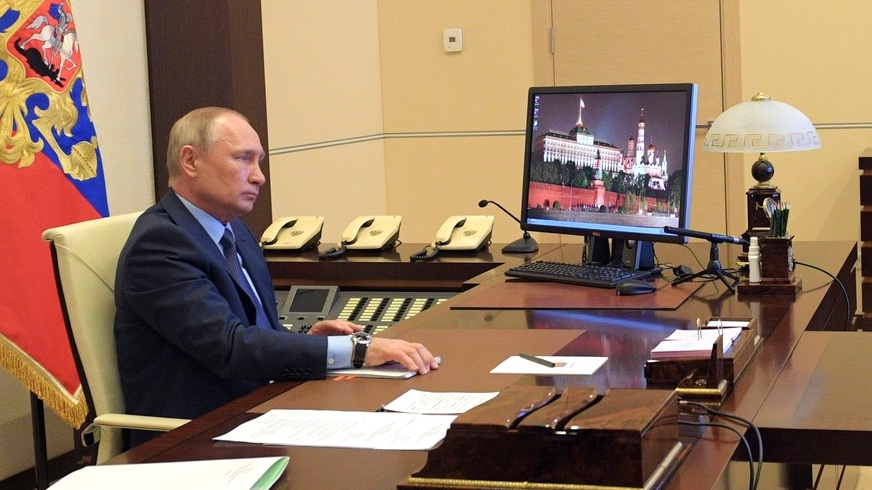 Коронавирус: Путин признает нехватку средств индивидуальной защиты для врачей
