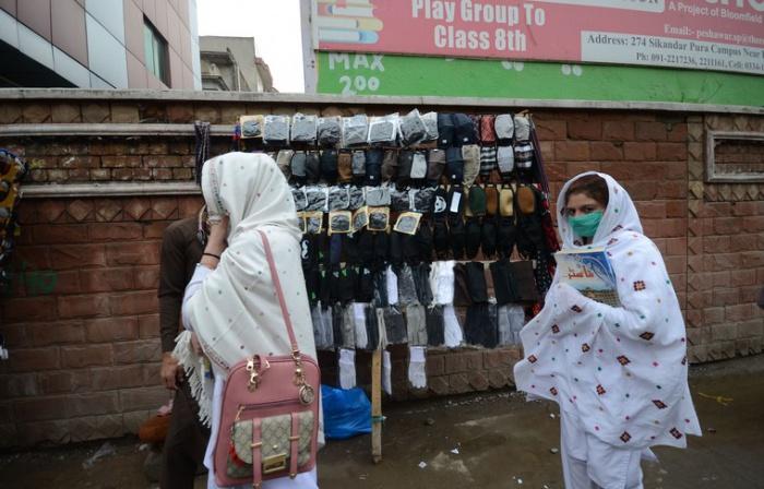 Пакистан на грани катастрофы из-за своей спорной коронавирусной стратегии
