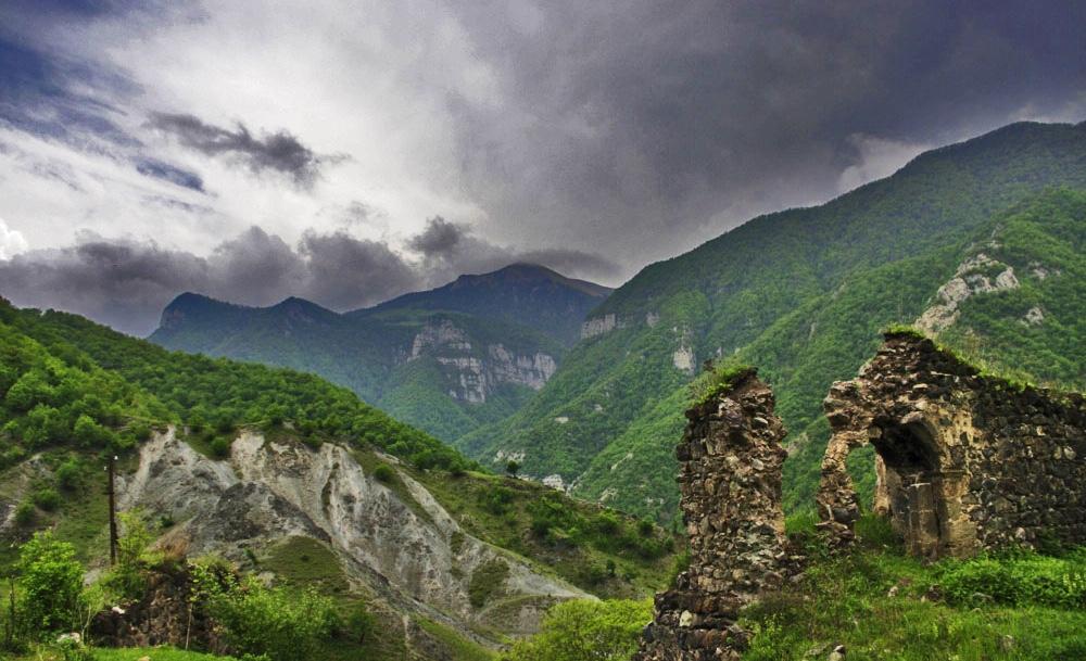 Что сулит обострение в Нагорном Карабахе